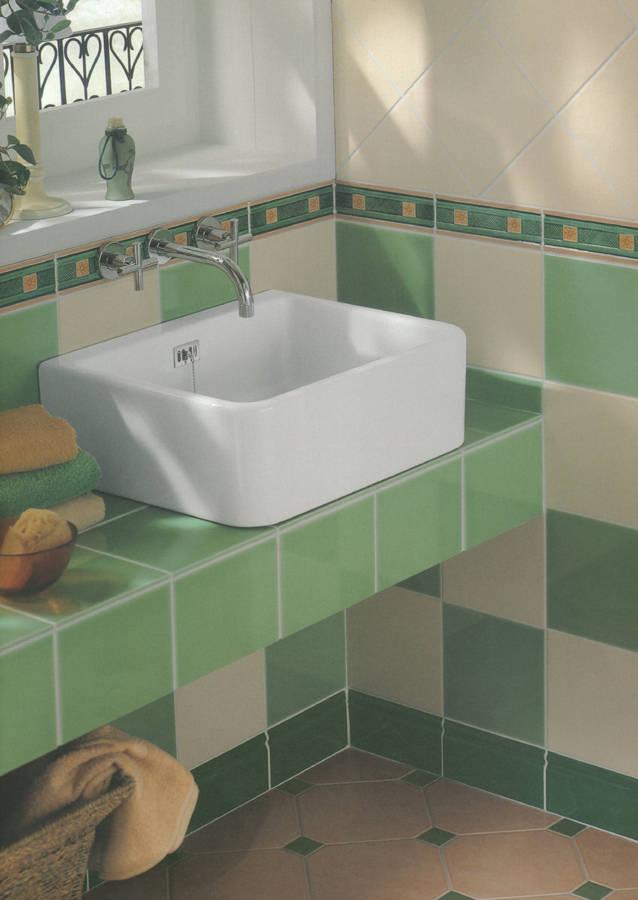 badezimmer fliesen gr n. Black Bedroom Furniture Sets. Home Design Ideas
